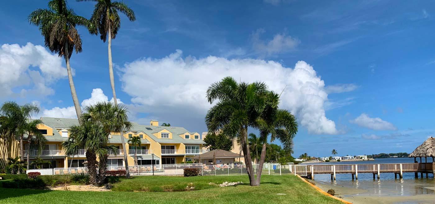 Commercial landscaping in Boynton Beach, Florida