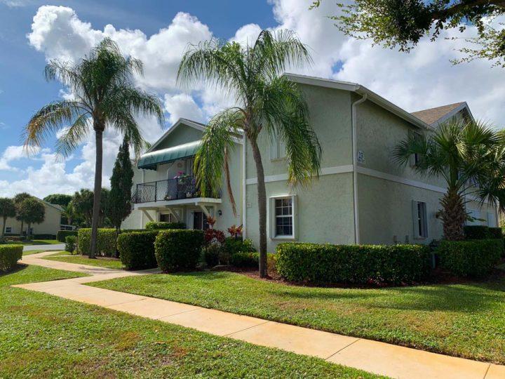 Residential landscaping in Delray Beach, FL